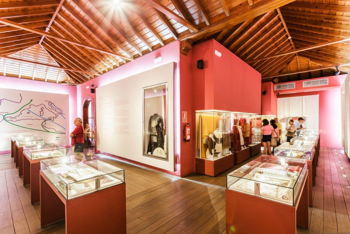 INTERIOR MUSEO PETROGLIFOS DEL PASO